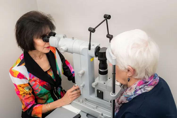 conrad-eye-care-technology01