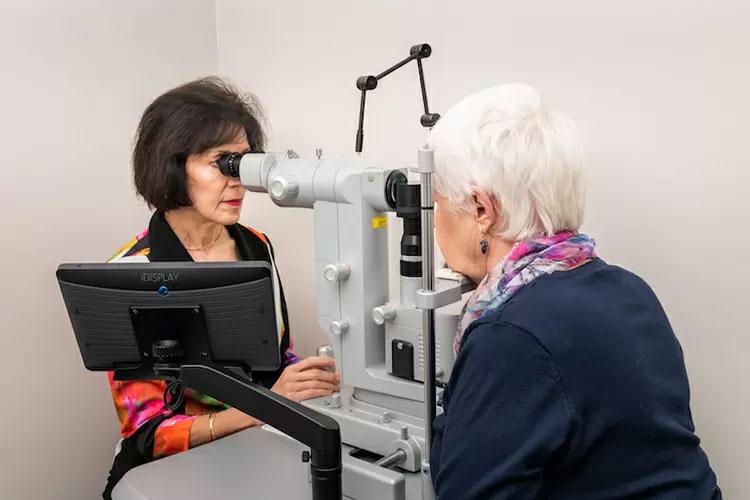 conrad-eye-care-technology02