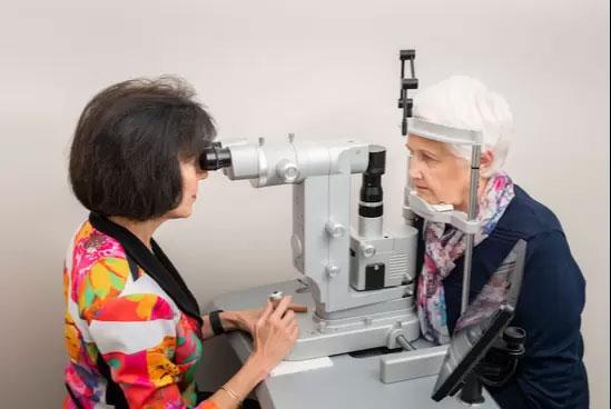 conrad-eye-care-technology04